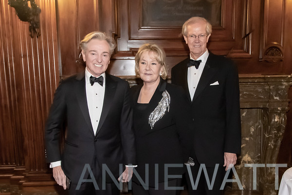 Nov 21, 2019 French Heritage's Black and White Ball
