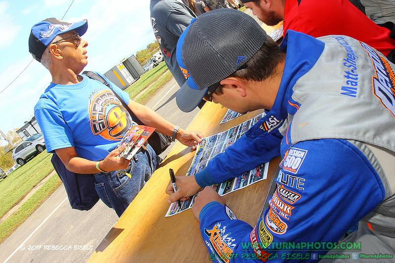 autograph session 5.jpg