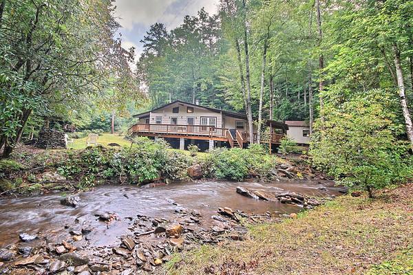 Mike S Tusquitti River Cabin