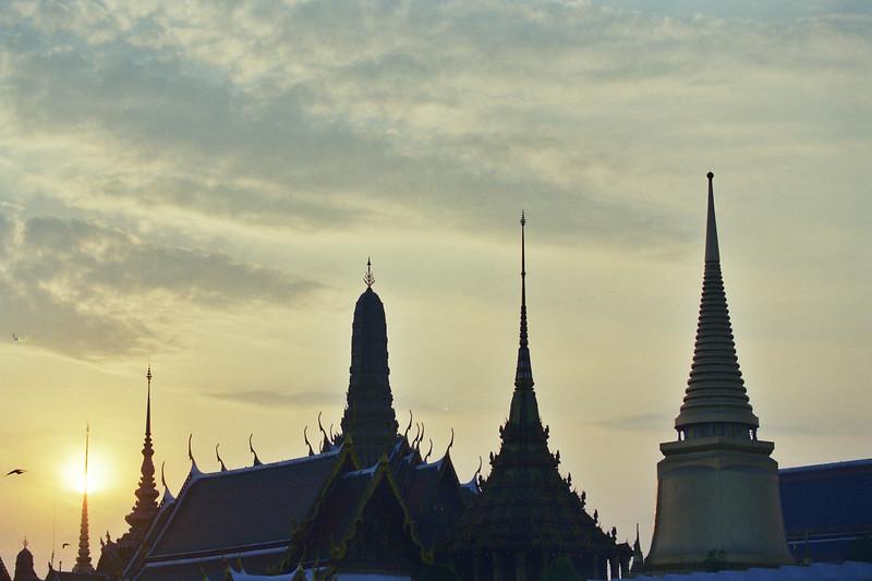 2004 January Bangkok Morning.jpg