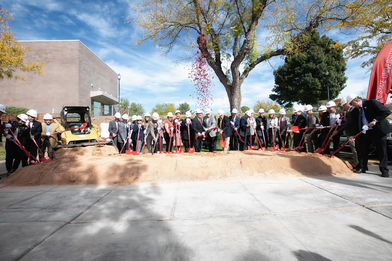 SCIENCE BUILDING GROUND BREAKING 2019-8937-Edit.jpg