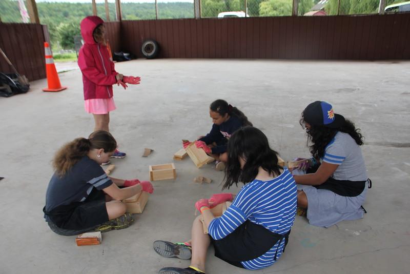 kars4kids_thezone_camp_GirlDivsion_workshops_WoodWorking (45).JPG