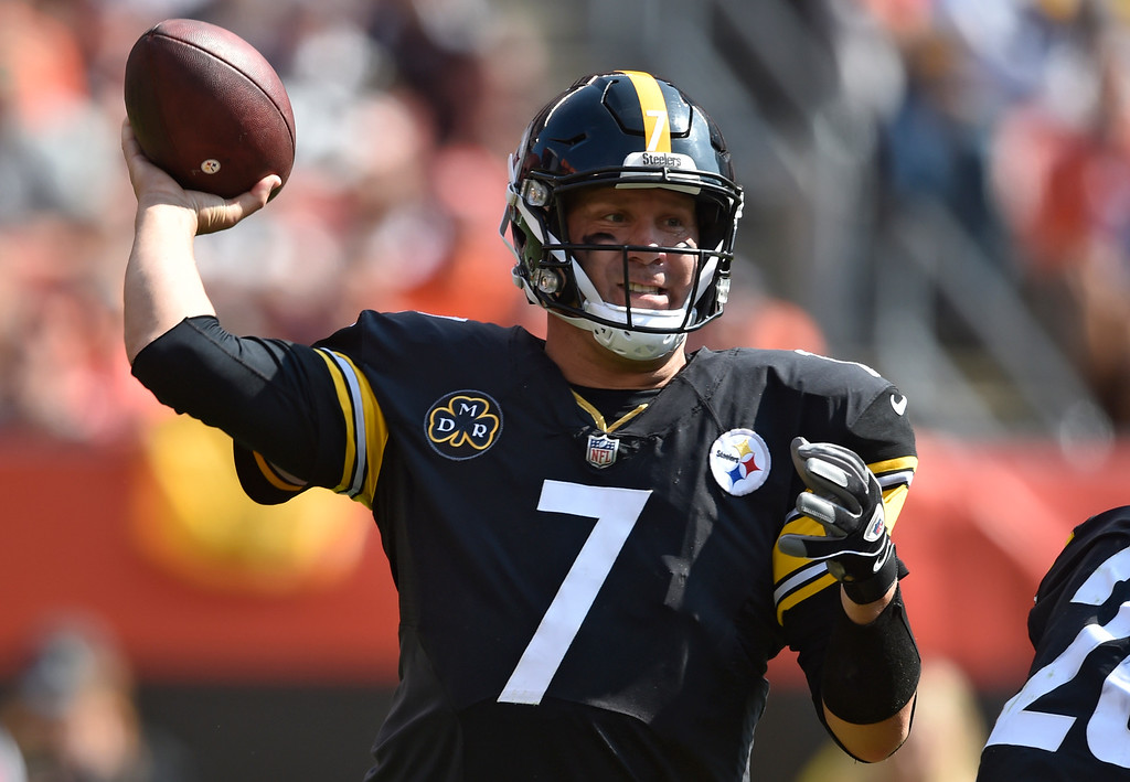 . Pittsburgh Steelers quarterback Ben Roethlisberger (7) passes during the second half of an NFL football game against the Cleveland Browns, Sunday, Sept. 10, 2017, in Cleveland. (AP Photo/David Richard)