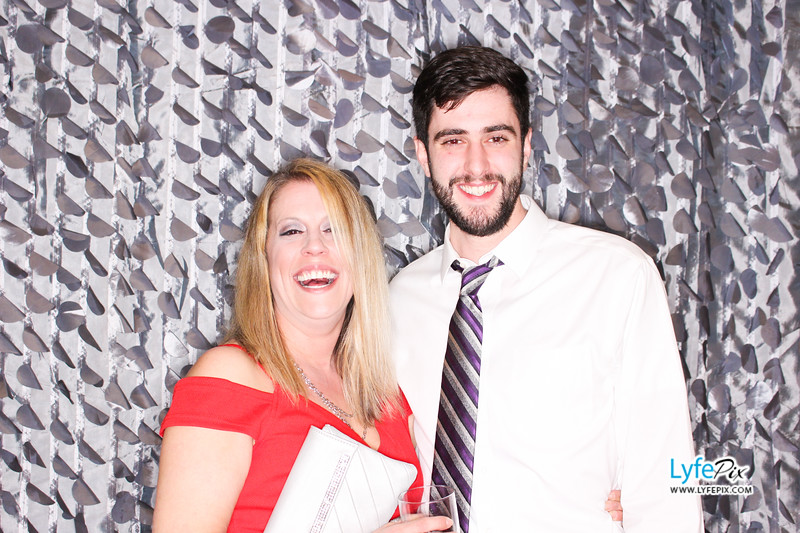 red-hawk-2017-holiday-party-beltsville-maryland-sheraton-photo-booth-0124.jpg