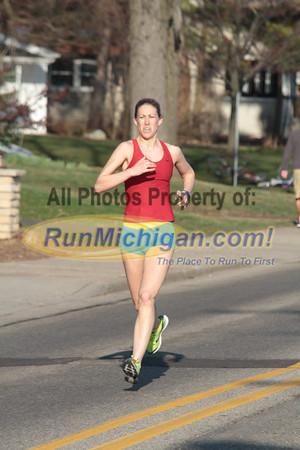 Women's Race at 1 Mile - Gallery 1 - 2012 Spectrum Health Irish Jig