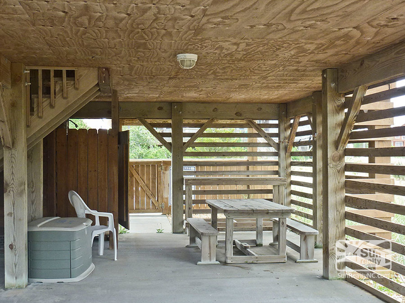 Outside Shower and Picnic Area