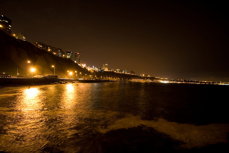 MIraflores at Night.jpg