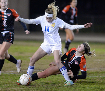 Vacaville girls soccer defeats Wood to take MEL title for third straight year
