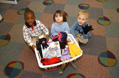 21933 Mitten Tree- Kids at CDC