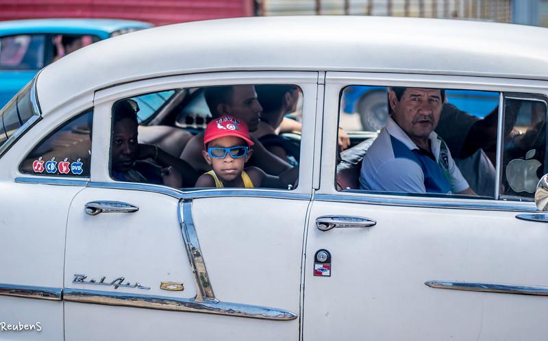 Boy in taxi Havanna.jpg