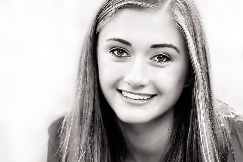 Evie-252 4x6 Crop BW High Key.jpg