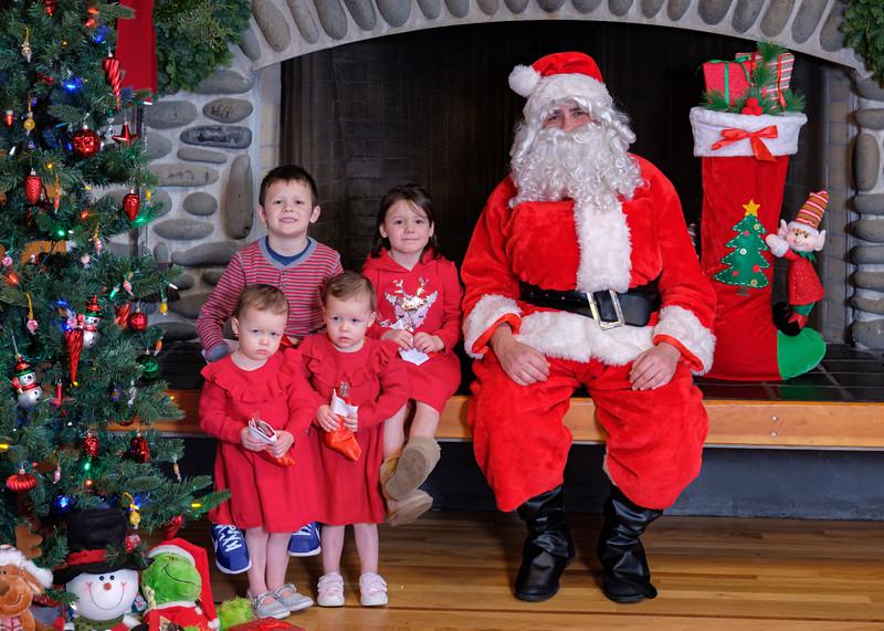 CB Santa 2019-7945.jpg