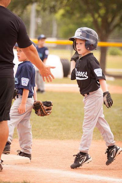 Younger Baseball-35.jpg