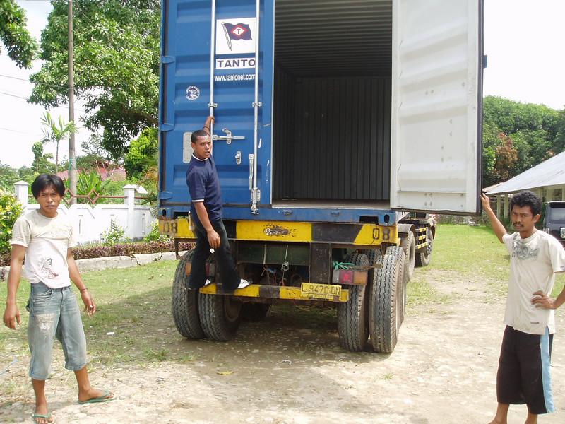 Otto Kuijk Zkhs vervoer en aankomst container (64).jpg