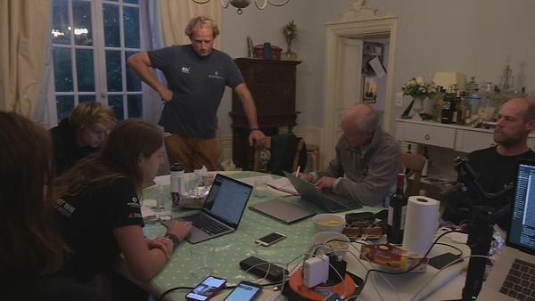 Team Malizia working - Documentary content