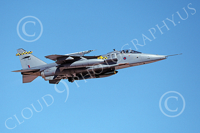 SEPECAT Jaguar 00022 A flying SEPECAT Jaguar attack jet British RAF XZ364 with bombs 8-1999 military airplane picture by Michael Grove, Sr.JPG