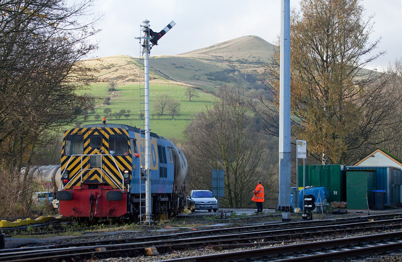 Blue John arriving with a train from Blue Circle Cement Works in Earls Sidings, Hope Valley.