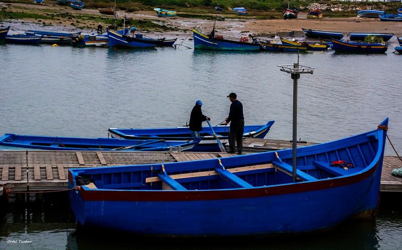 דייגים בנמל ברבאט.jpg