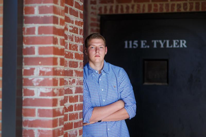 Senior Tyler A. 2017 (37).jpg