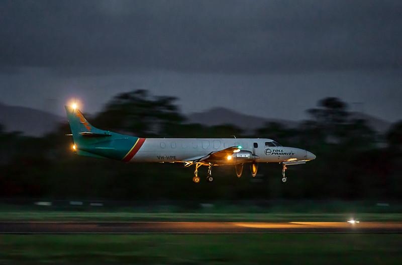 Toll Aviation Fairchild Swearingen Metroliner VH-HPE landing at Rockhampton Airport 30-01-19.