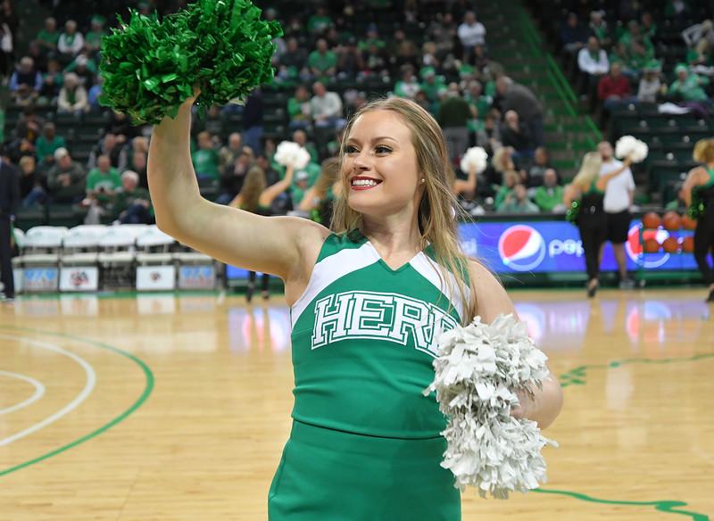 cheerleaders4439.jpg