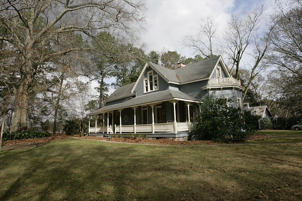 Eustis House Summer/Winter Comparison