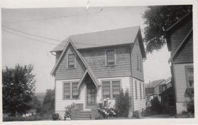 1580 JULIAN TERR-1930s.jpg