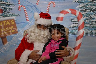 Camp Zama Santa Photos Dec 22, 2007