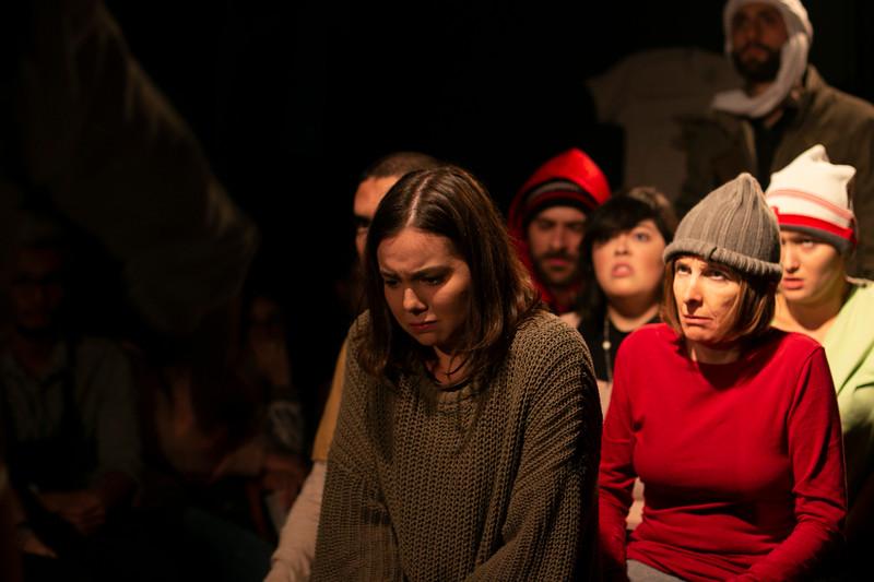 Allan Bravos - Fotografia de Teatro - Indac - Migraaaantes-489.jpg