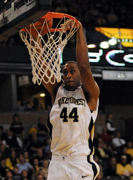 Weaver dunk 02.jpg