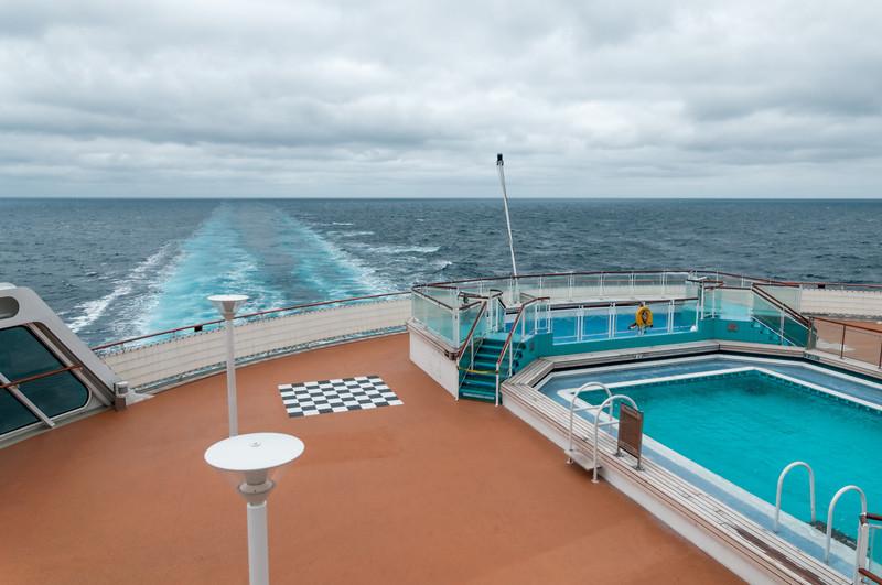 Der Pool draussen auf Deck 6 hinten am Heck ist zur Zeit meist leer. Es ist einfach zu kalt.