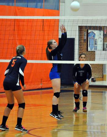 Madison County volleyball beats Orange 2015