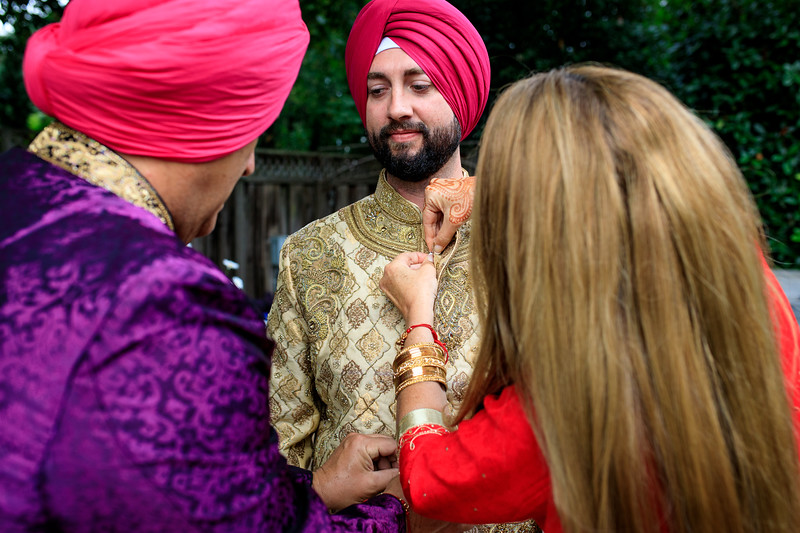 Neelam_and_Matt_Gurdwara_Wedding-1145.jpg