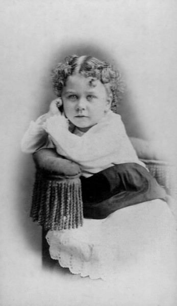 Jeannette L. Odell. Future Mrs. Pard Smith.