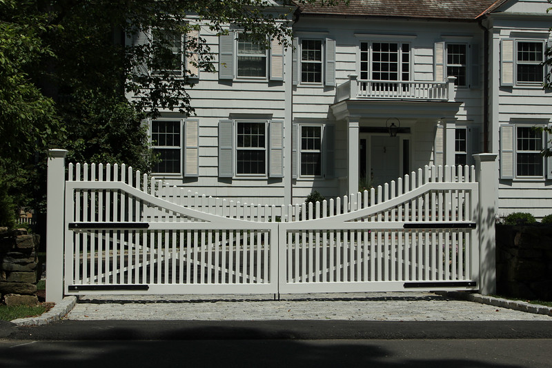 177 - 495128 - New Canaan CT - Chestnut Hill Driveway Gates