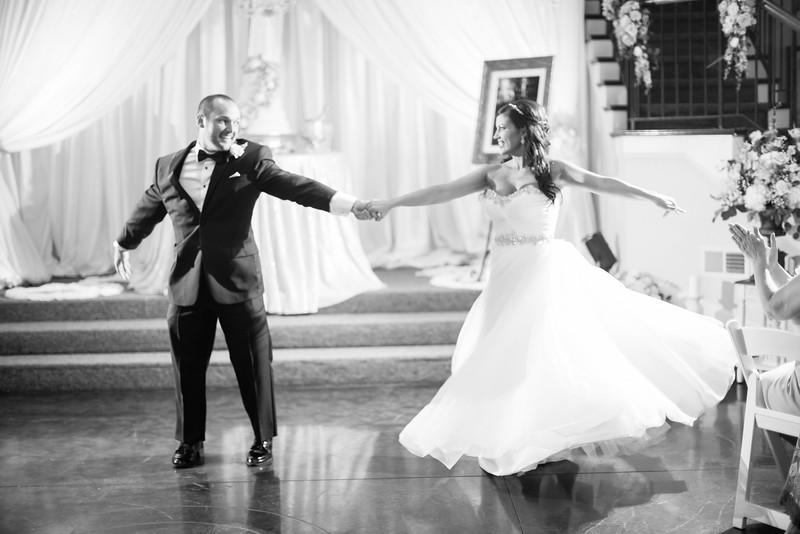 0888_Josh+Lindsey_WeddingBW.jpg