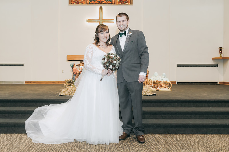 Johnna_Derek_Wedding_La_Casa_Grande_Beloit_Wisconsin_December_15_2018-199.jpg