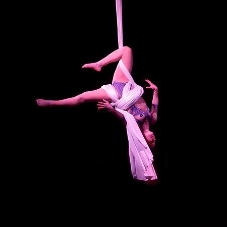 Laura - Solo acrobatie 2