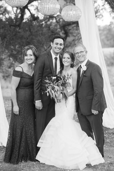 Alexa + Ro Family Portraits-25.jpg