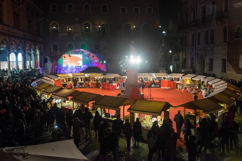 Verona_Italy_VDay_160213_28.jpg