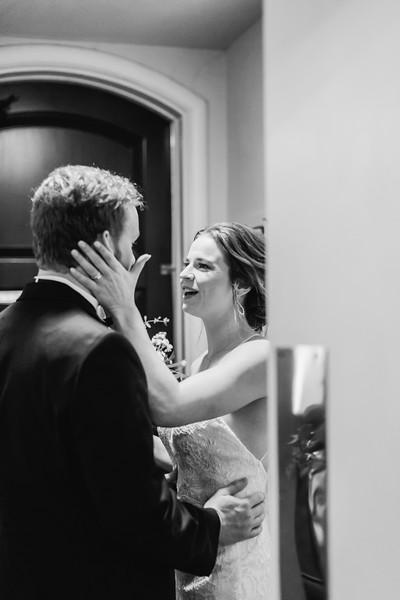 351_Ryan+Hannah_WeddingBW.jpg