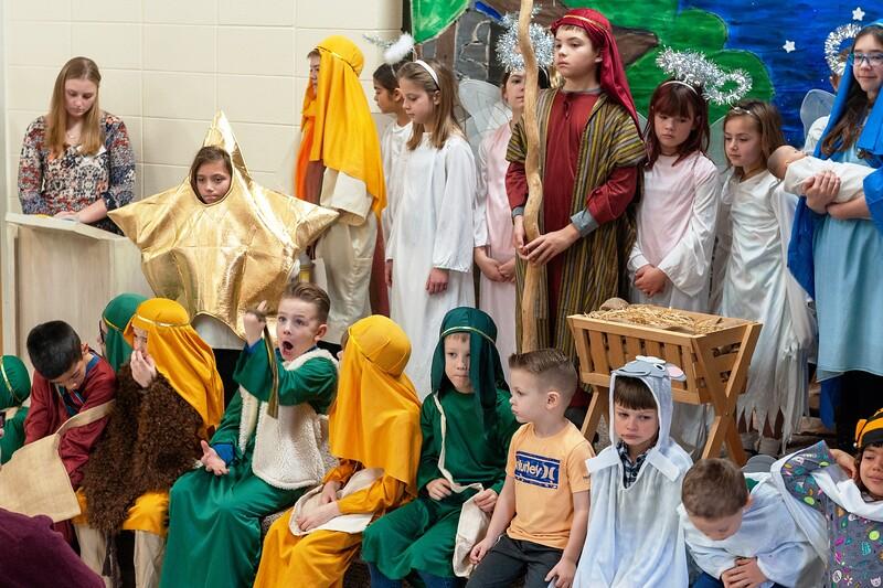 20191209 Faith Children Advent Family Gathering-8037.jpg