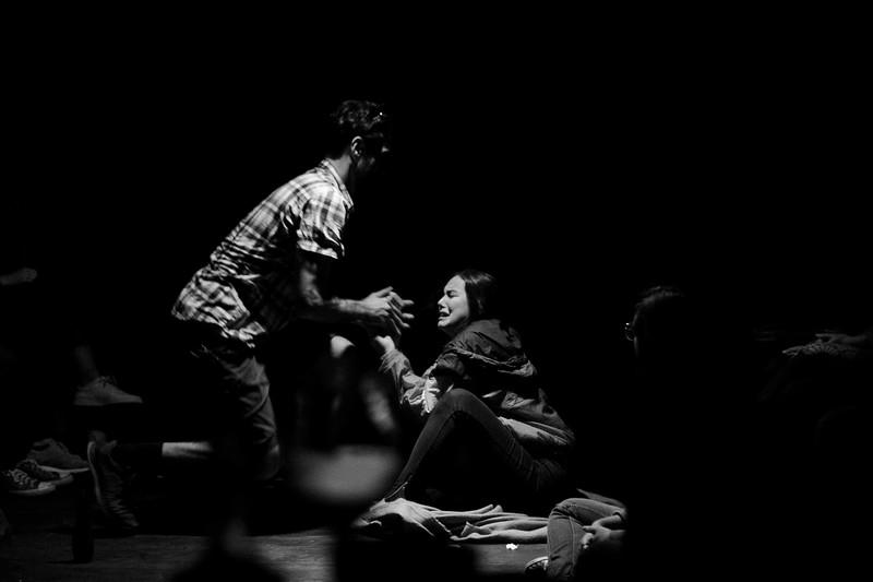 Allan Bravos - Fotografia de Teatro - Indac - Migraaaantes-228-2.jpg