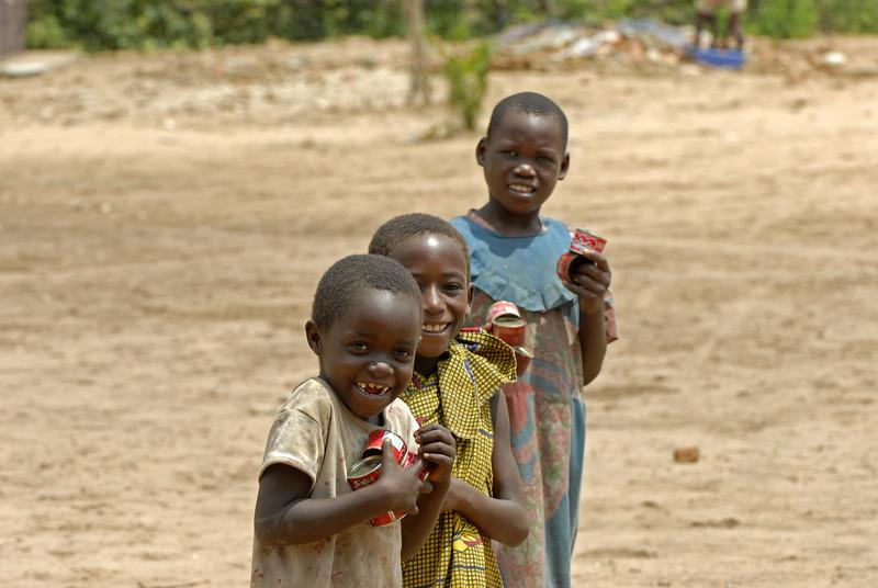 070104 3521 Burundi - Bujumbura - Peace Village _L ~E ~L.JPG