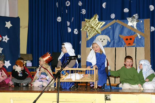 Troon Primary - Nursery Nativity 2005