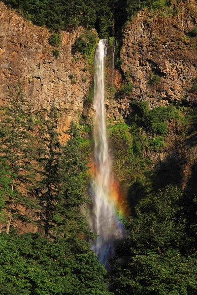Multnomah Falls vert 488 enh sf.jpg