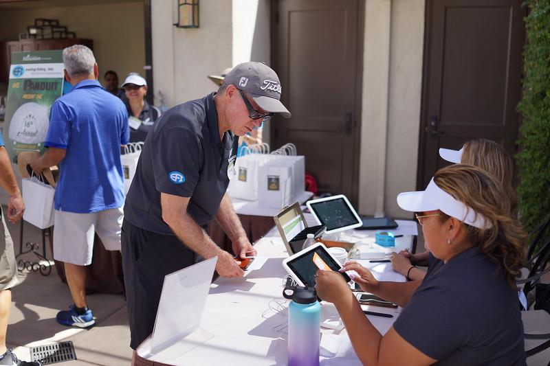 Momentum Golf Benefit-169.jpg