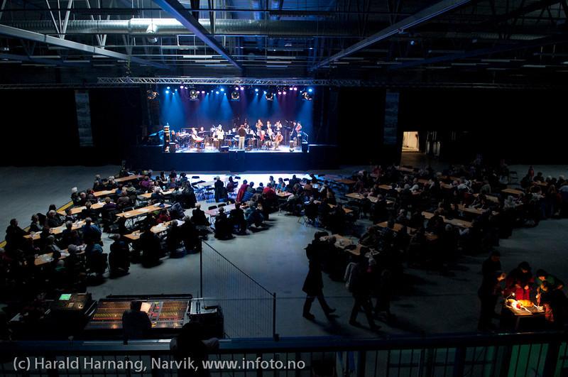 27.3.2011: Da Capo-show med Vidar Lønn Arnesen. Også storbandjazz med solister.