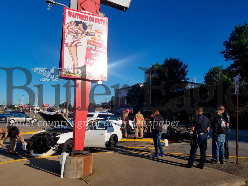 car wreck by Burger Hut II