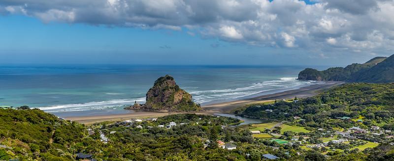 Blick auf die Piha Beach